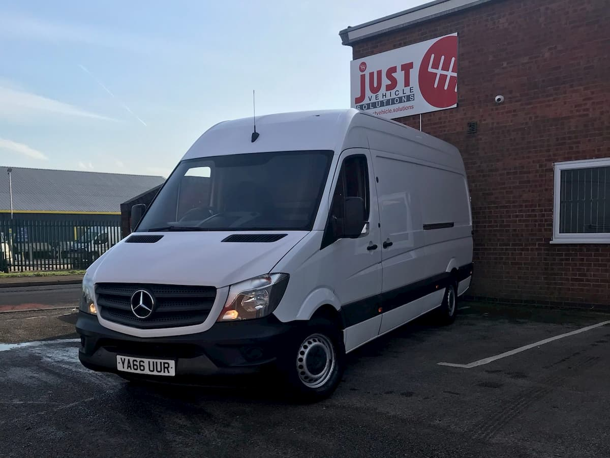 Mercedes-Benz Sprinter 313 CDI LWB Manual