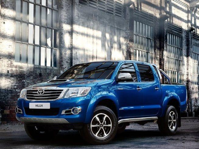 Toyota Hilux Diesel Invincible D/Cab Pick Up 2.4 D-4D Auto