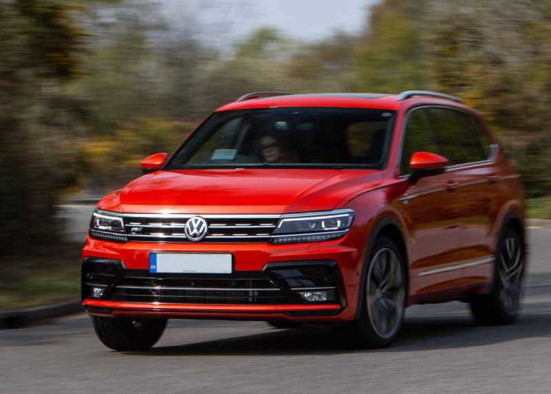 VW Tiguan R Line being driven
