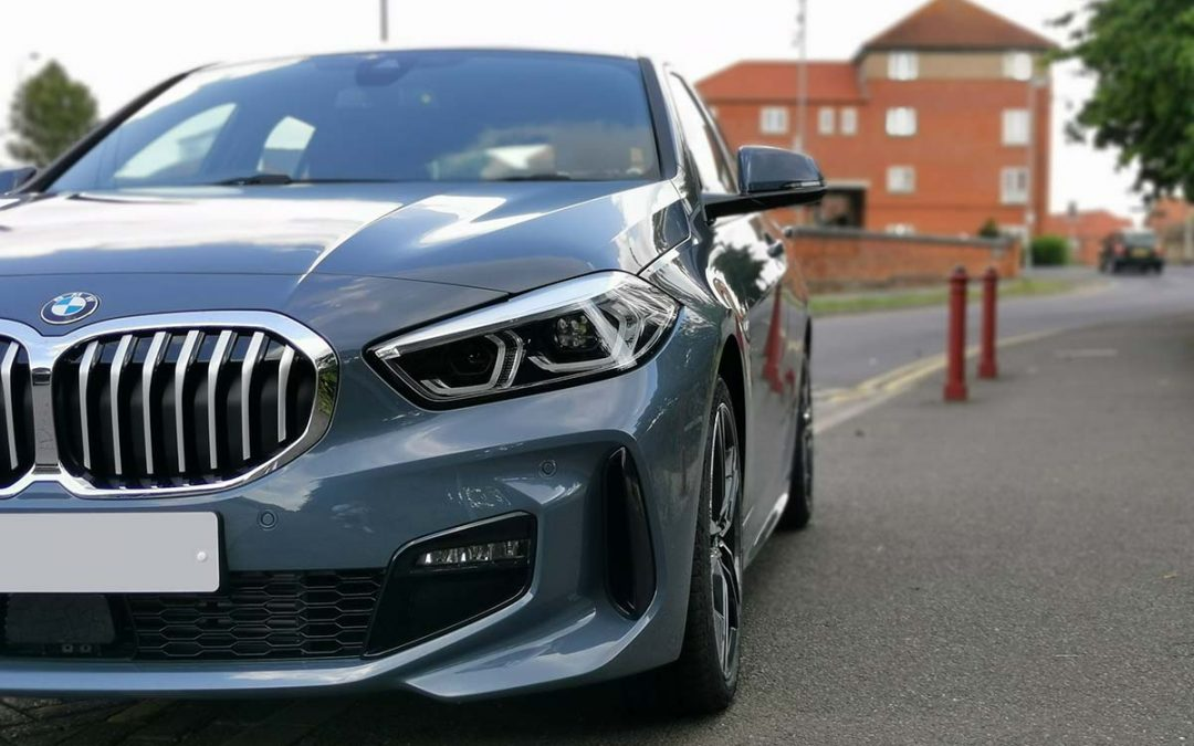 Close up of a BMW 118 front end