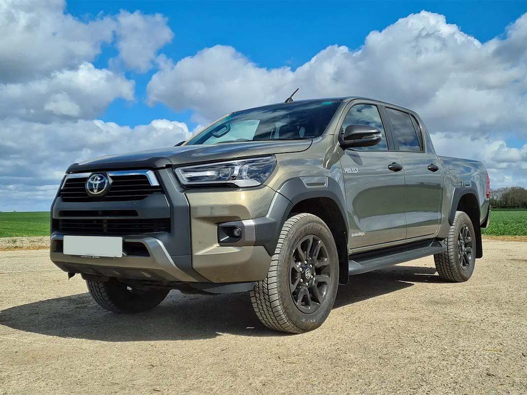 Toyota Hilux Diesel Invincible